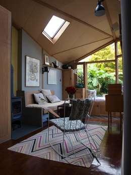 modern Living room by Egon Design