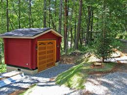 Garajes de estilo rural por Cottage Style / コテージスタイル