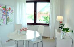 Home Staging Bereich Essen: moderne Esszimmer von MK ImmoPromotion