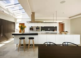 modern Kitchen by Sapphire Spaces