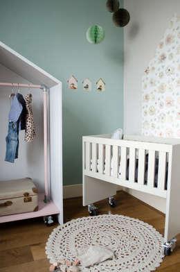 Wiegje bedhuisje: landelijke Kinderkamer door Boefjesfabriek