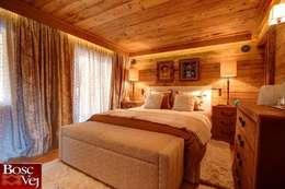Chalet Excelsior w Crans Montana w Szwajcarii: styl , w kategorii Sypialnia zaprojektowany przez Bosc Vej s.r.l.