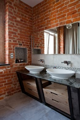 Частная квартира, г. Москва, ул. Большой Кисловский переулок (м. Арбат/Боровицкая): Ванные комнаты в . Автор – Дизайн-студия интерьера 'ART-B.O.s'