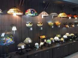 Lámparas de emplomado - Tiffany: Salones de estilo rústico de Yanso
