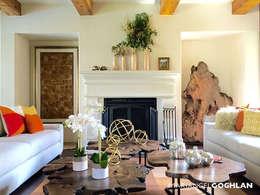 Salas de estar coloniais por MARIANGEL COGHLAN
