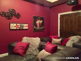 Salas de entretenimiento de estilo moderno por MARIANGEL COGHLAN