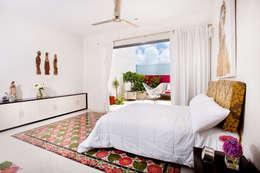 Projekty,  Sypialnia zaprojektowane przez Taller Estilo Arquitectura