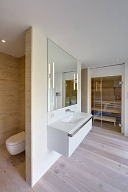 modern Bathroom by Möhring Architekten