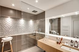 modern Bathroom by bypierrepetit