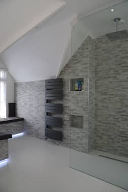 moderne Badkamer door PTC Kitchens