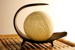 Palmblad lamp: tropische Woonkamer door Bamboe design