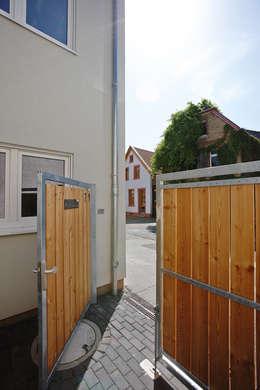Деревянные двери в . Автор – FingerHaus GmbH