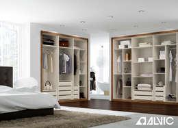 Vestidores y closets de estilo moderno por ALVIC