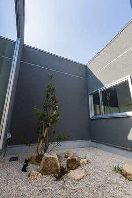 坪庭: NEWTRAL DESIGNが手掛けた庭です。