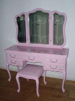 Roze kaptafel.: rustieke & brocante Kinderkamer door Happykidsart