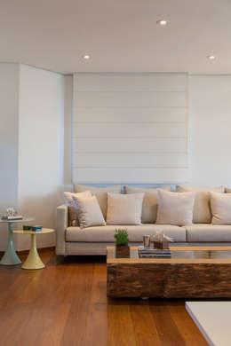 classic Living room تنفيذ Helô Marques Associados