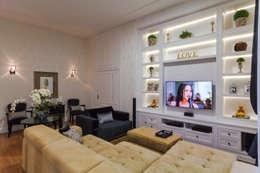 Projeto Residencial: Salas de estar clássicas por Dani Santos Arquitetura