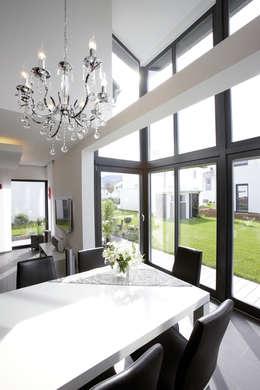 moderne Eetkamer door FingerHaus GmbH