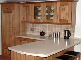 Cocinas de estilo  por Traditional Woodcraft