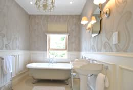 classic Bathroom by CLAIRE HAMMOND INTERIORS