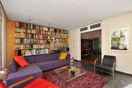 perfect geluid: moderne Woonkamer door Frank Loor Architect