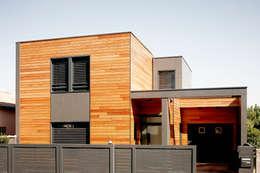 Projekty, nowoczesne Domy zaprojektowane przez Cendrine Deville Jacquot, Architecte DPLG, A²B2D