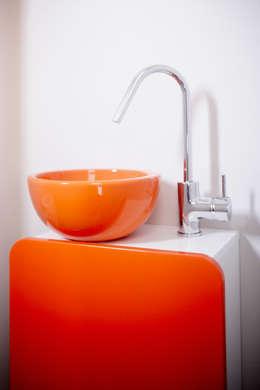 MAISON L33: Salle de bains de style  par Cendrine Deville Jacquot, Architecte DPLG, A²B2D