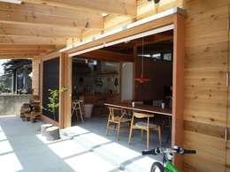 Fenêtres de style  par KAZ建築研究室