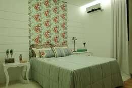 modern Bedroom by Ana Paula e Sanderson Arquitetura