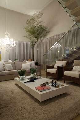 modern Living room by Ana Paula e Sanderson Arquitetura