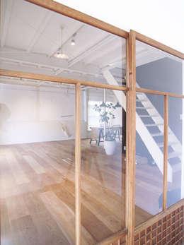 「stri-ep house 秋谷2丁目」: vibe design inc.が手掛けた窓です。