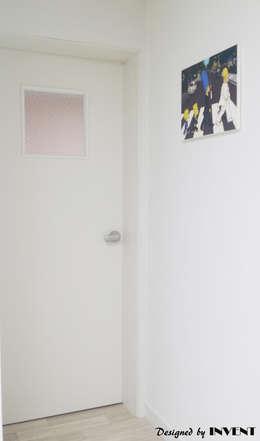 modern Nursery/kid's room by 인벤트 디자인
