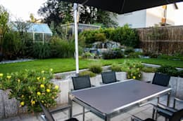 Jardines de estilo ecléctico por -GardScape- private gardens by Christoph Harreiß