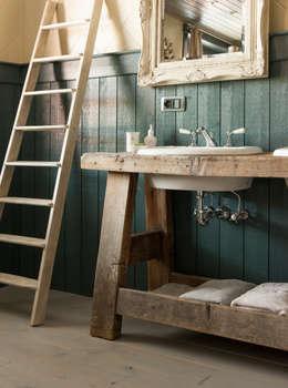Voor elke landelijke stijl het gepaste kraanwerk: landelijke Badkamer door Taps&Baths