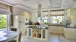 classic Kitchen by Studio Mirago