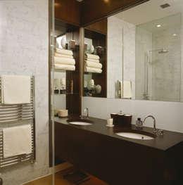 Salle de bains de style  par Space Alchemy Ltd