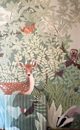 Bosco: Stanza dei bambini in stile In stile Country di Elena Milani Arti visive e Design