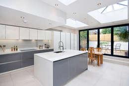 modern Kitchen by GOAStudio | London residential architecture