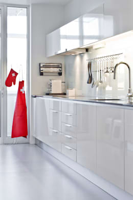 modern Kitchen by Germano de Castro Pinheiro, Lda