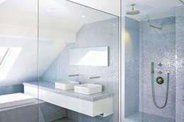 Badezimmer Knick Stick: Salle de bains de style  par HORUS