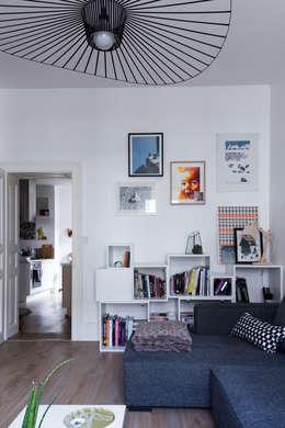 Salon: Salon de style de style Moderne par EK Architecte