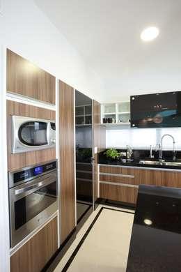 Кухни в . Автор – Arquiteto Aquiles Nícolas Kílaris