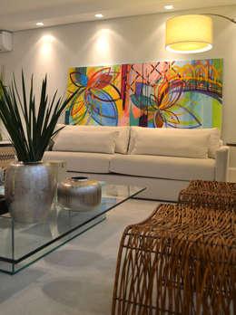 Comedores de estilo minimalista por Helô Marques Associados