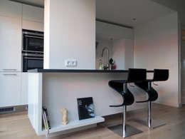 Uitbouw Zwolle: moderne Keuken door De Ontwerpdivisie