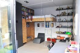 woonhuis in voormalige garage:   door Tijmen Ploeg Architecten