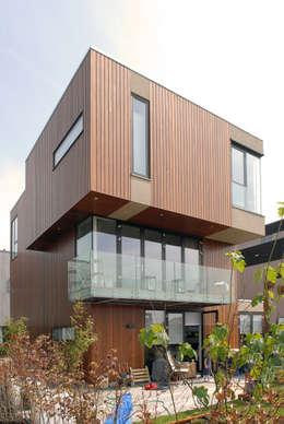 Villa 'Plot 5': moderne Huizen door TEKTON architekten