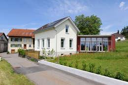 Projekty, wiejskie Domy zaprojektowane przez Mader Marti Architektur ETH SIA