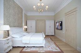 Сохраняя традиции: Спальни в . Автор – Студия интерьера 'SENSE'