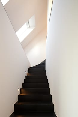 Corridor & hallway by Jan de Wit architect
