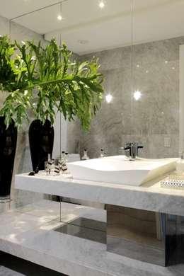 LAVABO: Banheiros modernos por ROMERO DUARTE & ARQUITETOS